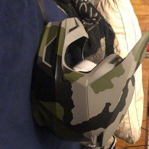 fox racing V1 przm camo special edition helmet